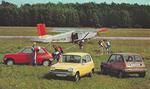 1979, Malmi, Pilatus hyppääjiä ja esittelyautoja. Kuva: Lake