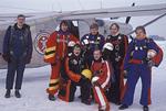 1978-02, Malmi, talvinen hyppykeikka, pilotti Pentti Salminen, Matti Veikkola, Jarmo Vuorio, Tuomas Asumus, Ilari Degerlund, edessä Markku Heilimo Esa Mikkonen. Kuva: Öster