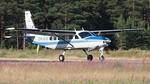Tarkkuus-SM 16.-17.7.2021 Immolassa.. Kisojen hyppykone Cessna 208 Caravan 1, OH-SIS. Kuva: Eero Kausalainen